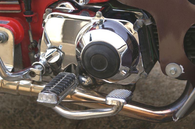 画像1: 【ホンダ純正】 エンジン右側ラバープロテクター  (1)